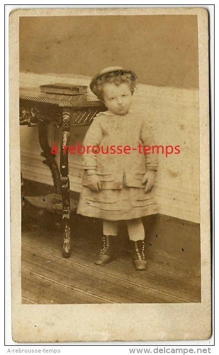 CDV Vers 1870- Bel Enfant-mode Fin XIXe-chapeau-robe-bottines-album Photo-photo Henri Mitz à Eecloo (Belgique) - Photos