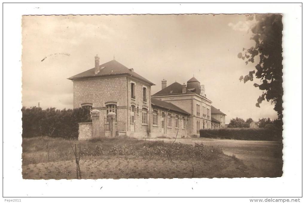 CPA : 78 : CPA Gargenville, La Mairie Et Les écoles, : Bâtiments - Vue Peu Commune - Gargenville