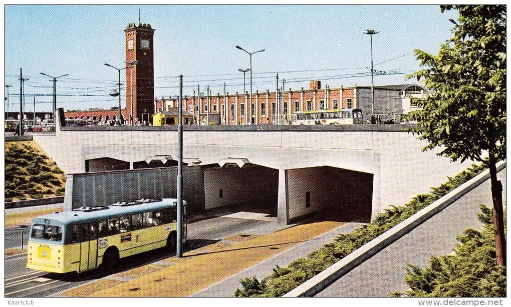 Nijmegen: 2x AUTOBUS  - Tunnel Met Station -   Holland - Autobus & Pullman