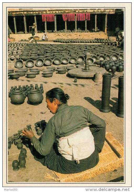 BHADGAON:  LA PIAZZA  DEI  VASAI        (NUOVA CON DESCRIZIONE DEL SITO) - Nepal