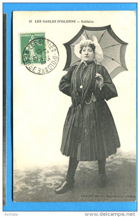 FR148, Les Sables-D'Olonne, Sablaise, Femme En Costume Avec Un Parapluie, Circulée 1913 - Sables D'Olonne