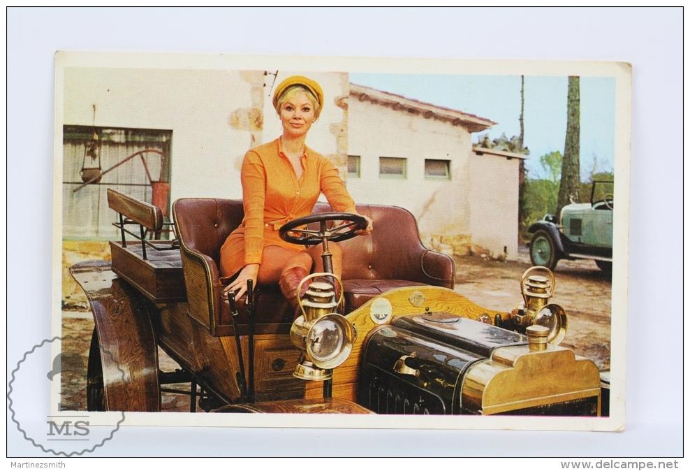 Vintage 1971 Small/ Pocket Calendar - Sexy Blonde Lady In Classic Car - Tamaño Pequeño : 1971-80