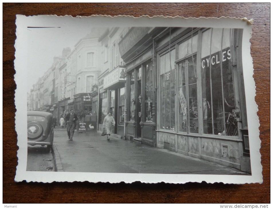 Lot De 3 Photos De Magasins De Cycle -nord Et Loire- A Identifier 8,5xm X6cm-- - Métiers