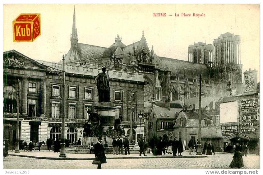 Belle Carte CPA  -  Reims  - La Place Royale    ,animée             E44 - Reims