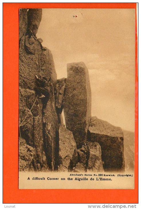 A Difficult Corner On The Aiguille De L'Emme. (sport Alpiniste) - Alpinisme