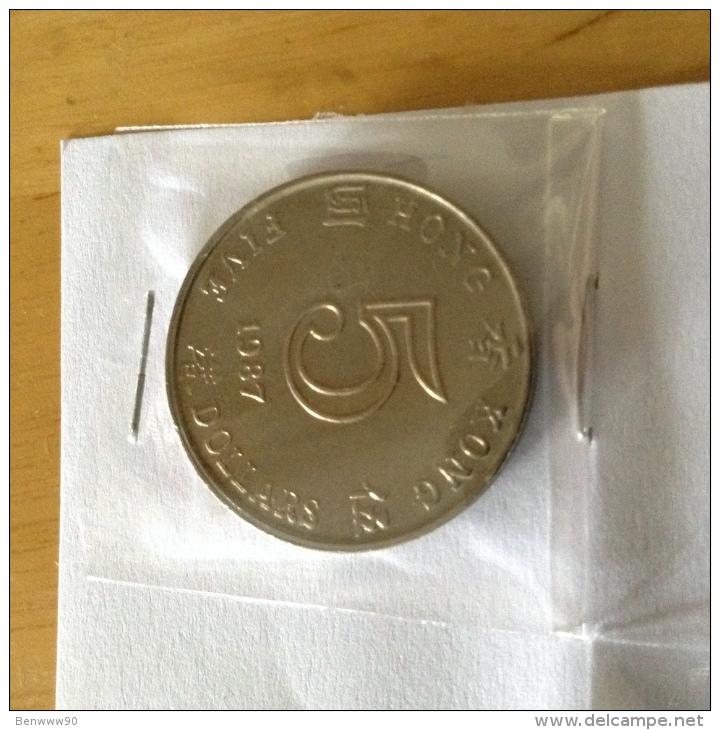 Hong Kong $5 Queen Elizabeth II 1987 - Hong Kong