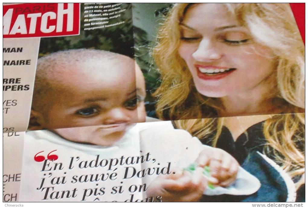 AFFICHE PARIS MATCH MADONNA 11/06  58/78CM - Plakate & Poster