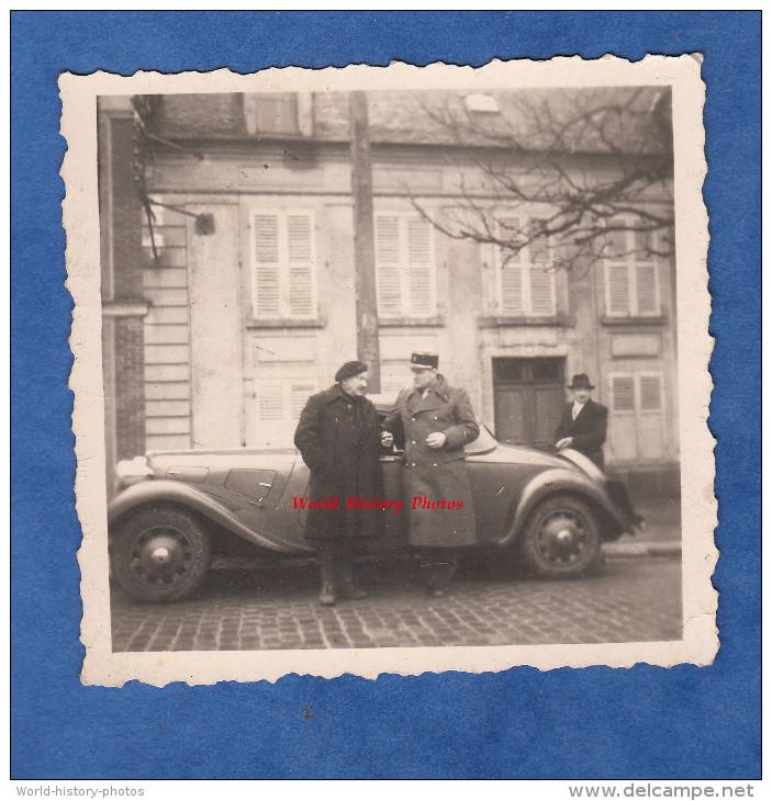 Photo Ancienne - Officiers Français Devant Belle Automobile CITROEN Traction Coupé Cabriolet - TOP RARE - Cars