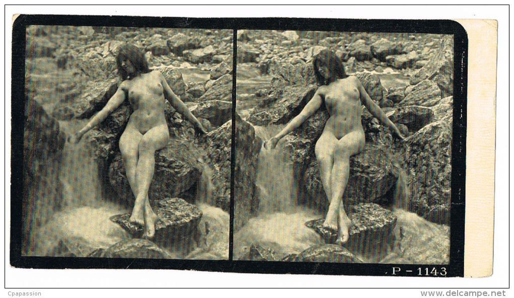 NUS FEMININS - NUDED - PHOTO STEREOSCOPIQUE  - Beauté Féminine D'Autrefois - Début Années 1900 -  P.1143 - Photos Stéréoscopiques