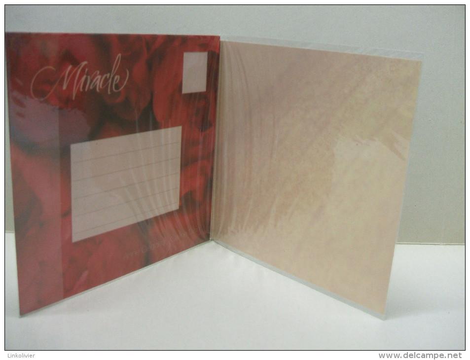 CP Miracle - Bébé - Anne GEDDES / Céline DION Carte Postale Avec Enveloppe Sous Cellophane - Chanteurs & Musiciens