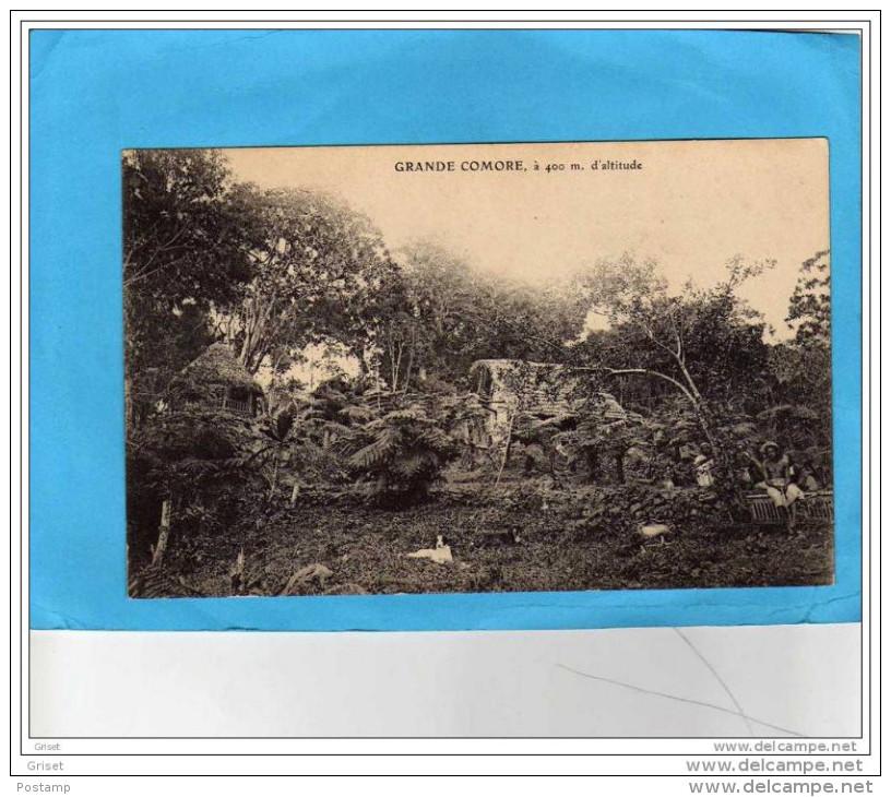Grande Comore-un Village à 400 M D'altitude-animée-années 1900-10- Non écrite - Comores