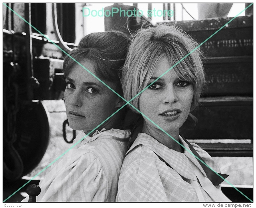 Brigitte Bardot - 0298 - Glossy Photo 8 X 10 Inches - Berühmtheiten