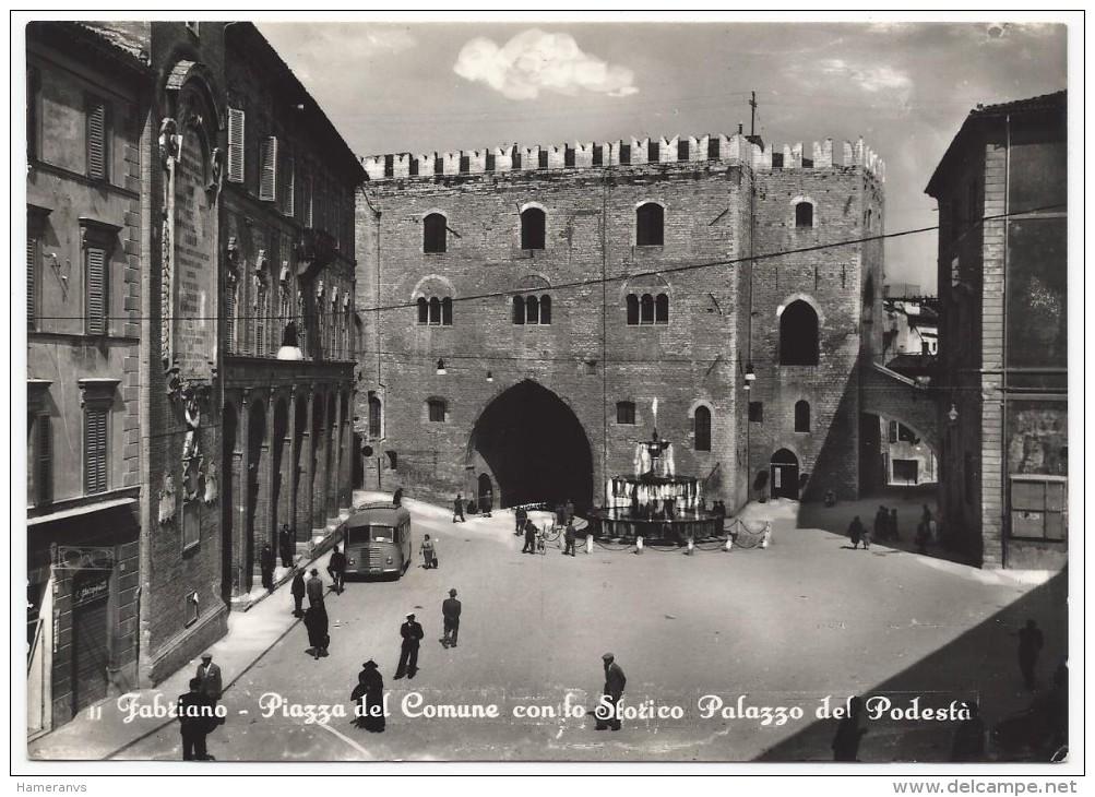 Fabriano - Piazza Del Comune Con Lo Storico Palazzo Del Podestà - H2632 - Ancona