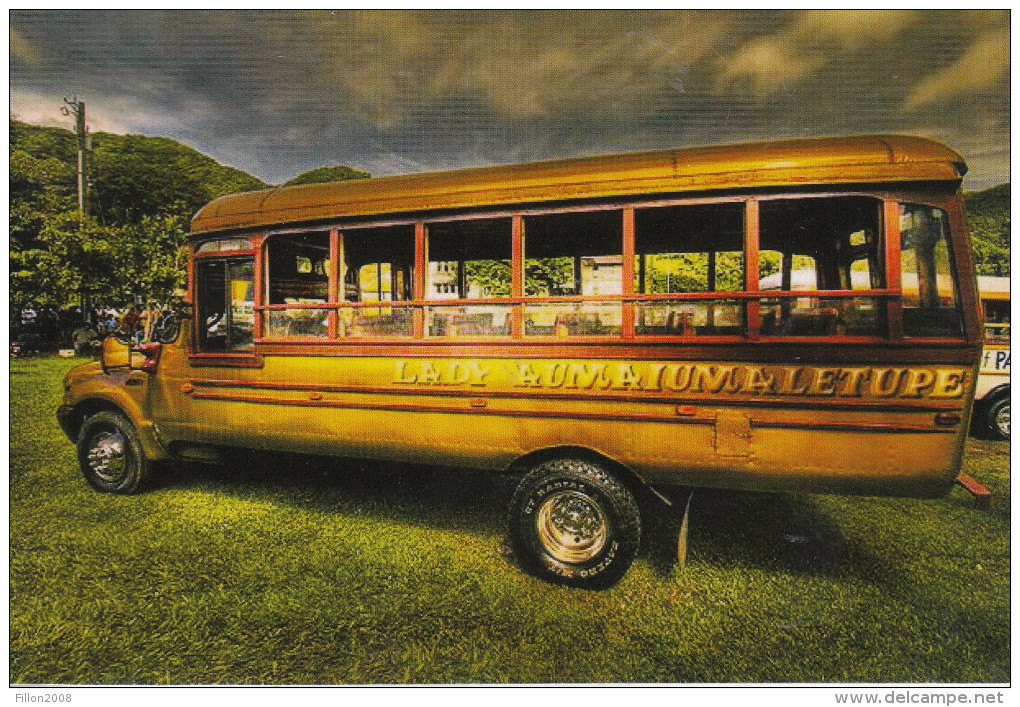 Un Bus Typique Des Iles Americaines Samoa - Samoa Americana