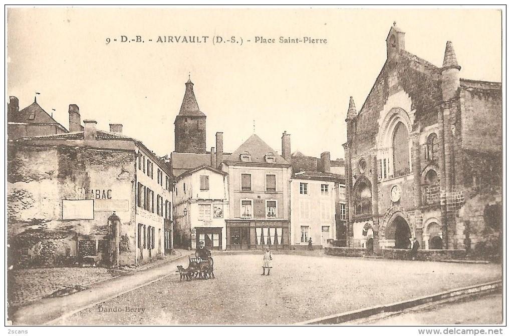Dépt 79 - AIRVAULT - Place Saint-Pierre (Magasin Delisle, Café Saint-Pierre, Rabit) - Airvault