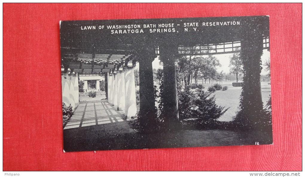 - New York> Saratoga Springs  Lawn Of Washington Bath House -------------          ----------1822 - Saratoga Springs