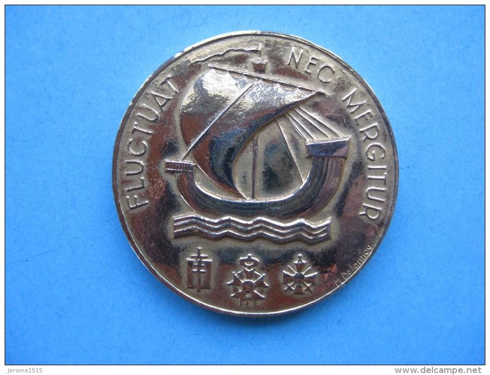 Médaille En Bronze Doré : Ville De PARIS  & - Touristiques