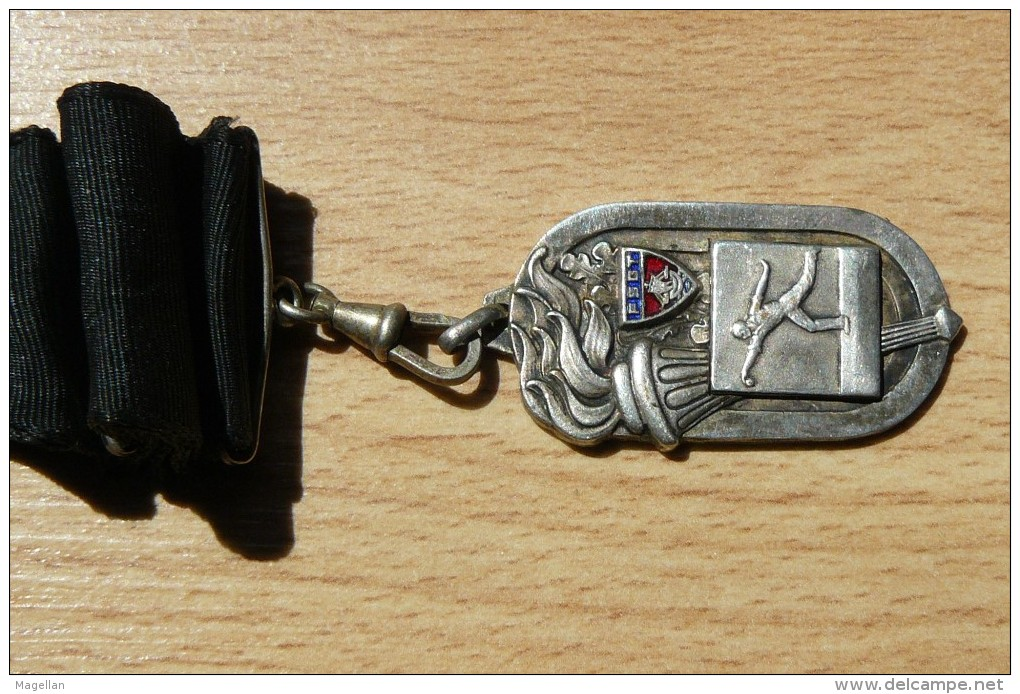 Rare Médaille F.S.G.T - Champion De L'Ile De France 1952-53 - Boules - Jeu Provençal - Pétanque - Pétanque