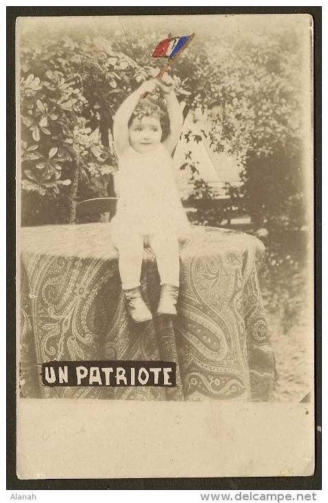 """Carte Photo D'UN PATRIOTE"""" Enfant Et Drapeau Ajouté Peint - Patriottisch"""