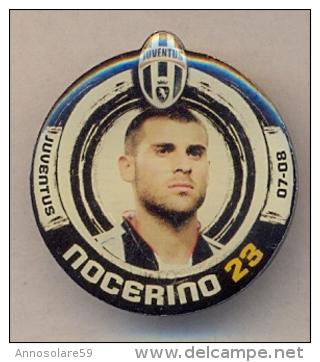 PIN´S FOOTBALL JUVENTUS - GIOCATORE (ANTONIO NOCERINO - N° 23) STAGIONE 2007/08 - LEGGI - Pin's
