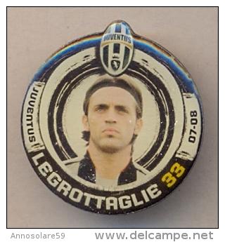 PIN´S FOOTBALL JUVENTUS - GIOCATORE (NICOLA LEGROTTAGLIE - N° 33) STAGIONE 2007/08 - LEGGI - Pin's