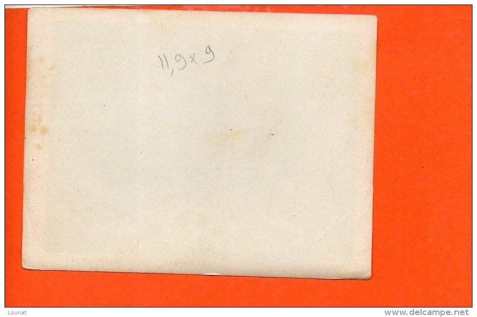 Photo à Identifier (dimensions 11.9 X 9) - A Identifier