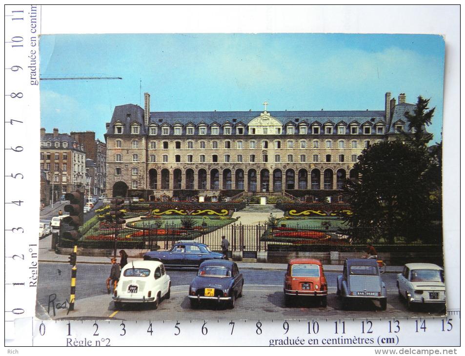 CPM (35) Ille Et Vilaine - RENNES - Palais Saint Georges - Voiture 403 R8 Fiat R4 Dauphine - Rennes