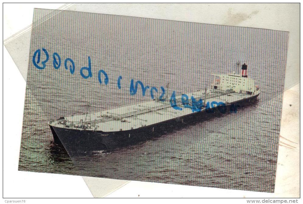 """Cpm  COULEUR Bateau Identifié """"Iseult """" Total  1978 CONSTRUIT Saint Nazaire 1974 DETRUIT 1998 - Petroliere"""
