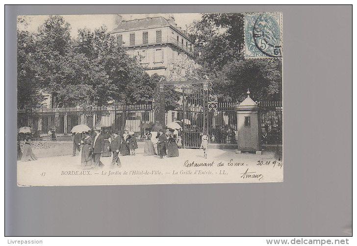 Cpa ,  Bordeaux , Le  Jardin De L'Hotel De Ville  La Grille D'entrée , Voyagé - Bordeaux