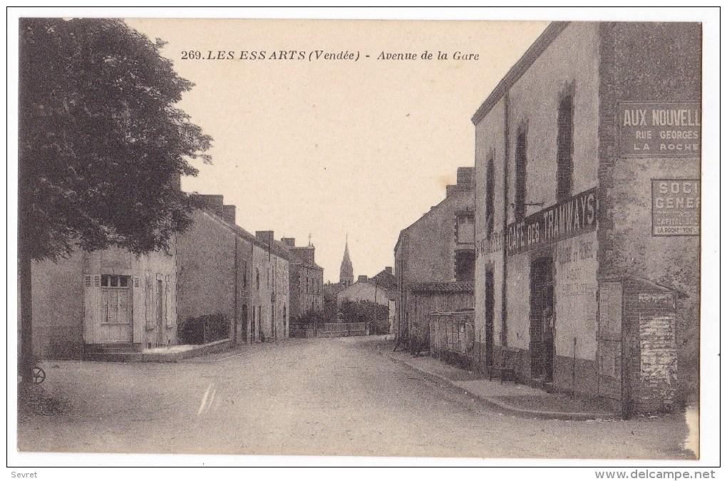 LES ESSARTS   - Avenue De La Gare .. Pas Courante. - Les Essarts