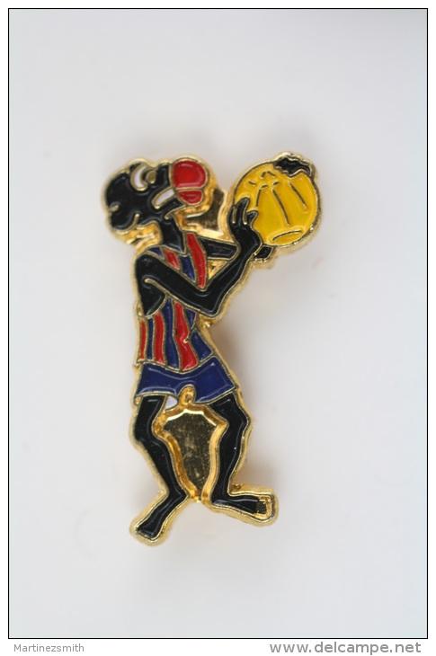 F.C. Barcelona Basketball Team Black Player Pin Badge #PLS - Baloncesto