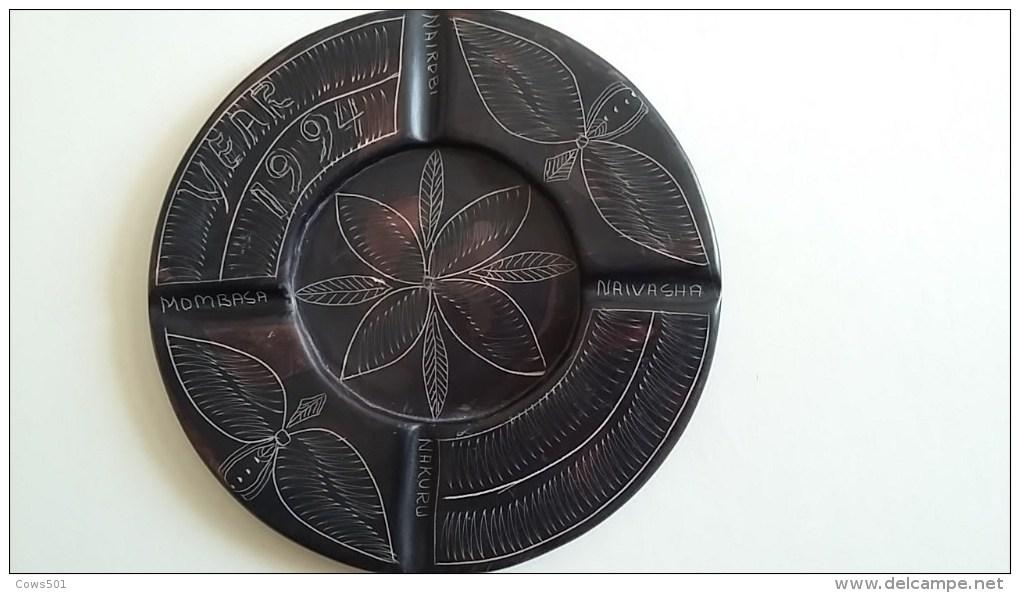 Cendrier  :Afrique Du Sud  YEAR 1994 Diamètre 14 Cm - Art Africain