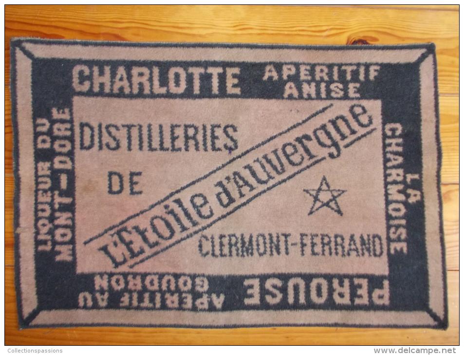 Tapis De Cartes - L' Etoile D' Auvergne. Distilleries De Clermont Ferrand - - Cartes à Jouer