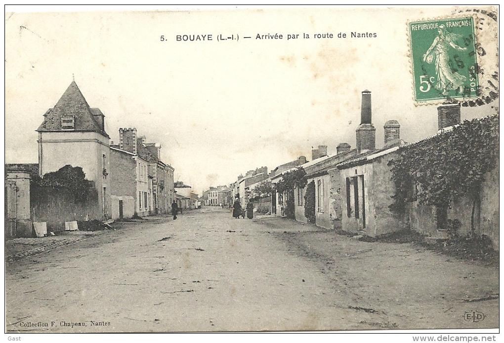 44  BOUAYE    ARRIVEE  PAR  LA  ROUTE  DE  NANTES - Bouaye