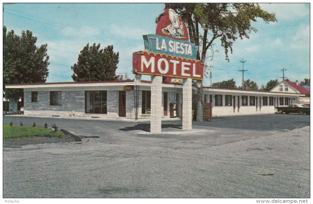 Greenfield Park Longueuil Québec Canada - La Siesta Motel - Boulevard Tashereau - 2 Scans - Quebec