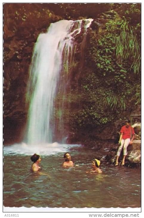 Cpm  RIVER BATHING AT THE REFRESHING ANNANDALE FALLS Grenada - Grenada