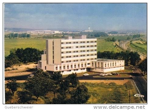 68-S92 - CPM SAINT-LOUIS - Clinique Docteur Tardot - Saint Louis