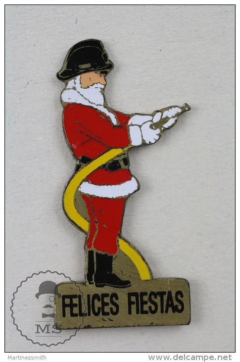 Sapeurs Pompiers France - Fireman Firefighter, Spanish Christmas Santa Claus Suit - Pin Badge #PLS - Bomberos