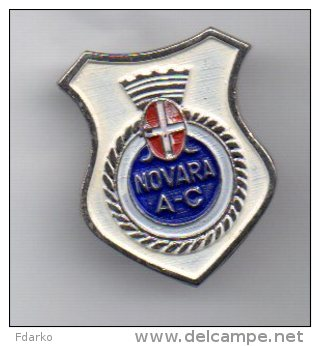Pq1 A.C. Novara Calcio Distintivi FootBall Soccer Pin Spilla Pins Piemonte Italy - Calcio