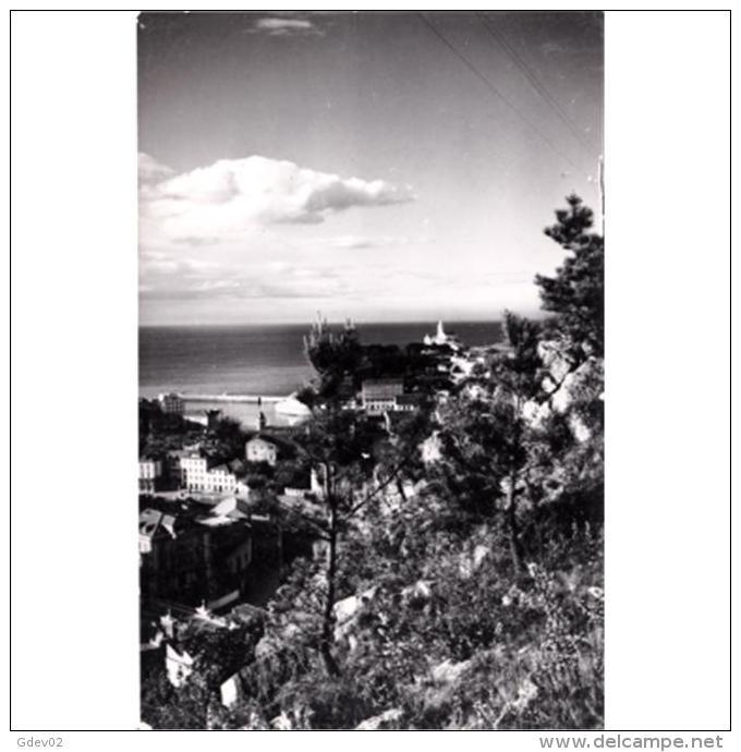 ASTRATP2925-LFTD7837.Tarjeta Postal De ASTURIAS.paisaje,casas,montes,mar,playa.VISTA PARCIAL DE LUARCA - Asturias (Oviedo)