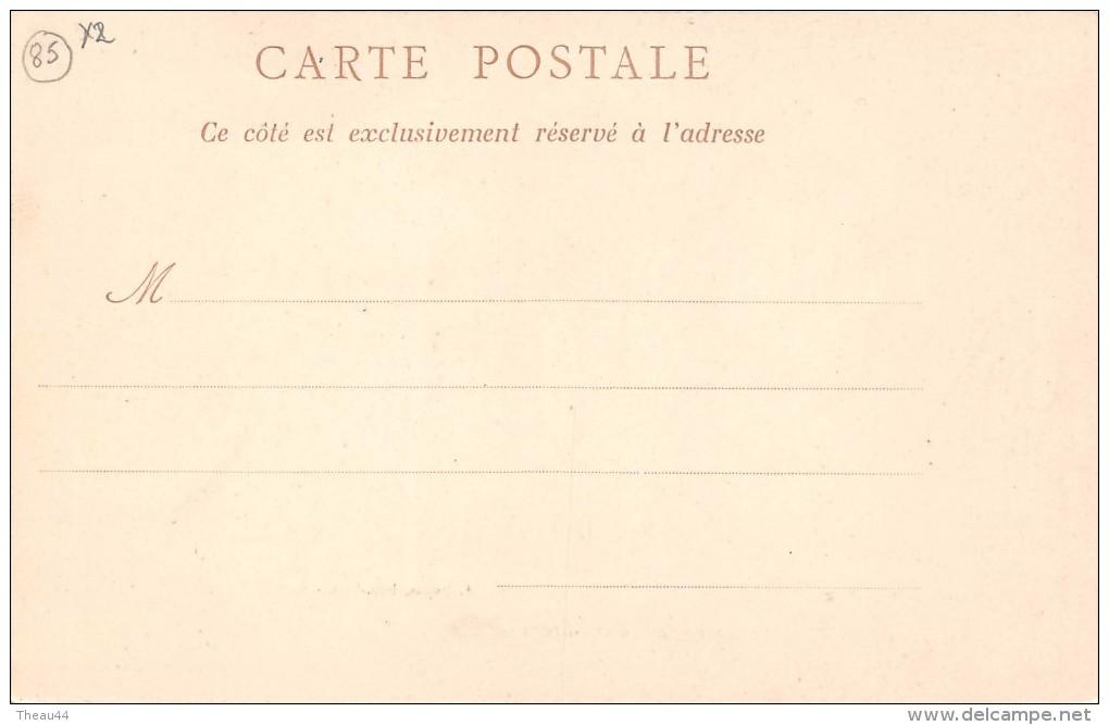 """¤¤  -  6  -    ILE-d´YEU   -   Raccommodage D'une Drague  -  Hôtel , Café Du Commerce  -  Boulangerie """" TURBE """"    -  ¤¤ - Ile D'Yeu"""