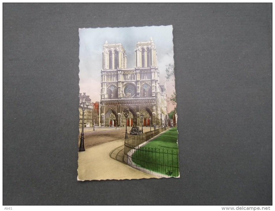 Dep 75 Paris Notre Dame  (voiture Traction ) - Chiese