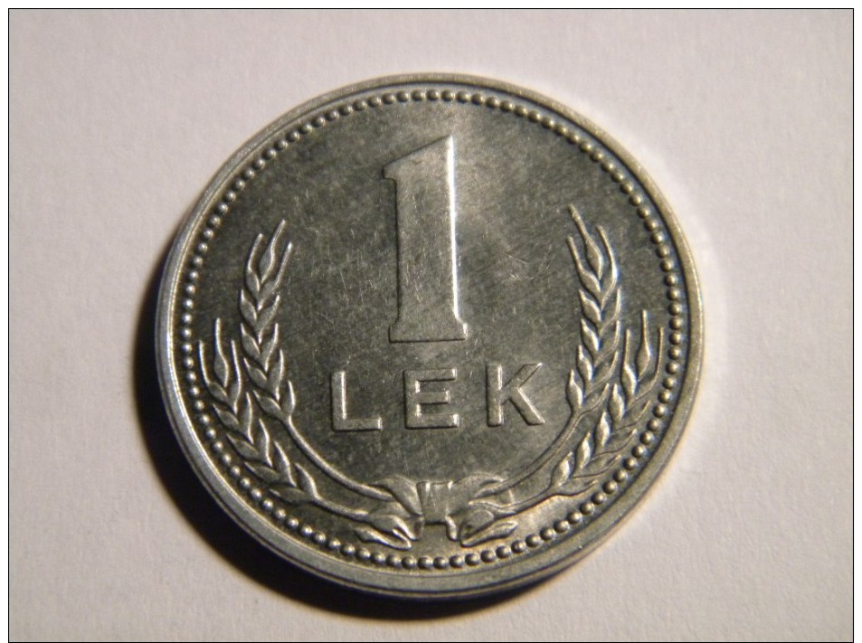 ALBANIE - 1 LEK 1988. FRAPPE MEDAILLE. - Albanie