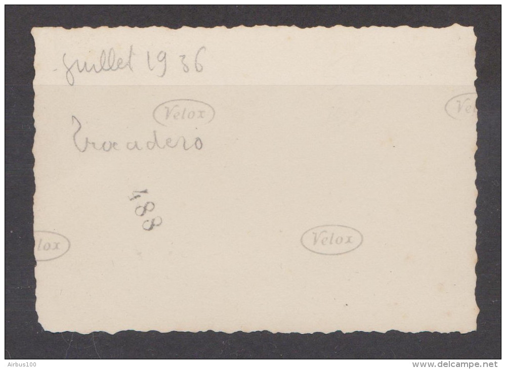 PHOTO ORIGINALE DÉMANTELEMENT DU TROCADÉRO JUILLET 1936 - TOUR EIFFEL - PHOTO VELOX - 2 Scans - - Lieux