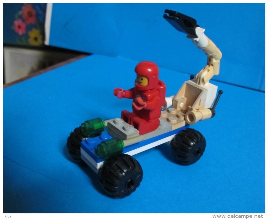 Lot LEGO  ( ( Thème Espace Figurine Et Accessoires ) - Lego