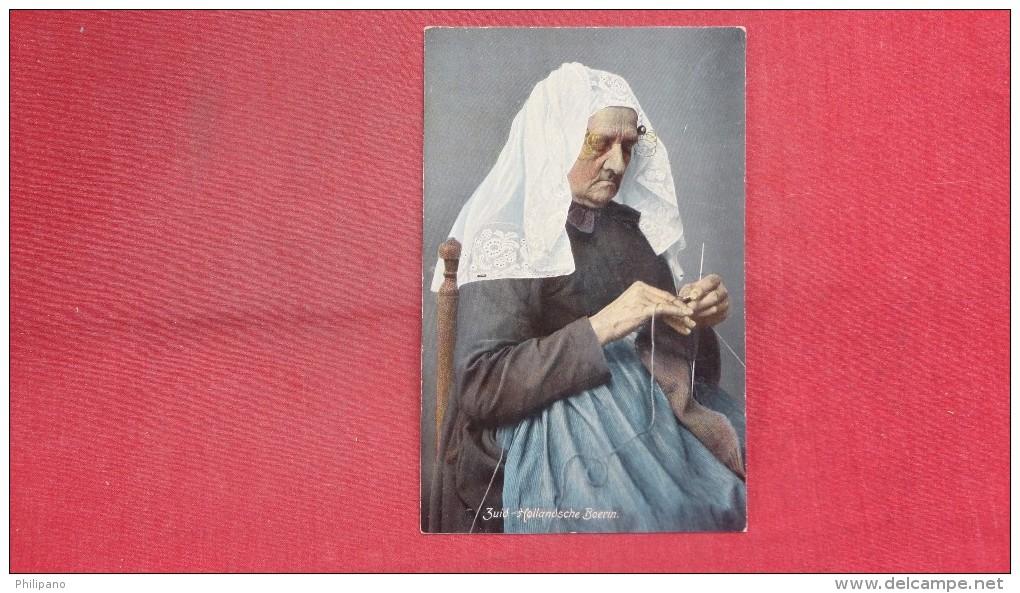 Lady Knitting Zuid Hollandsche Boerin Ref  1971 - Europe