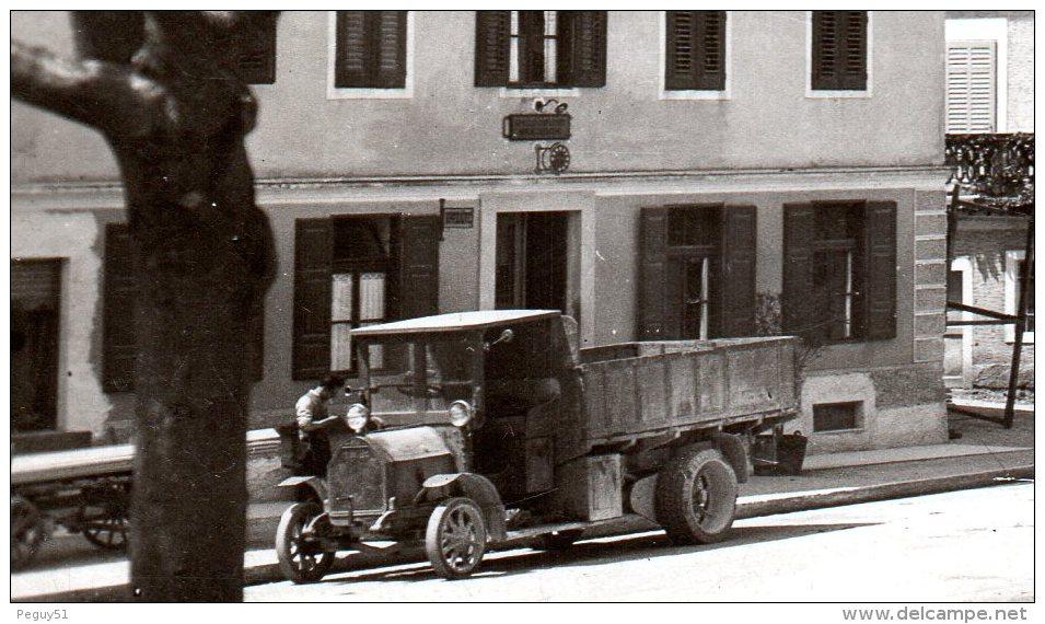 Slovénie.  S. Lucia D' Isonzo, Tolmino (Most Na Soci). Place. Hôtels Vuga Et A. Mikuz. Véhicules Années 30. 1938 - Slovénie