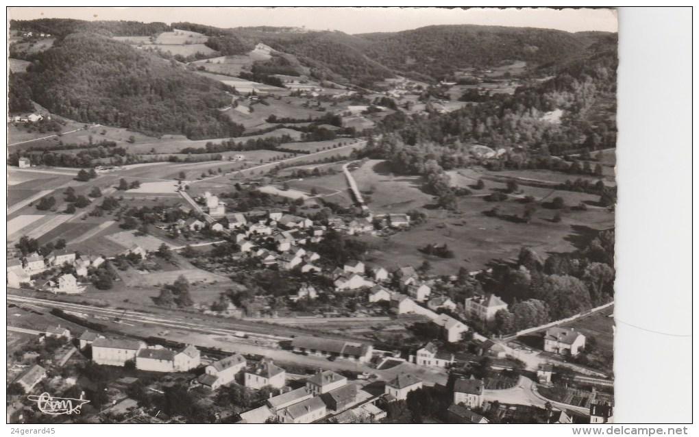 CPSM LE VAL D'AJOL (Vosges) - Vue Aérienne : La Gare Et La Section Des Champs Avec La Vallée Des Mousses - Frankrijk