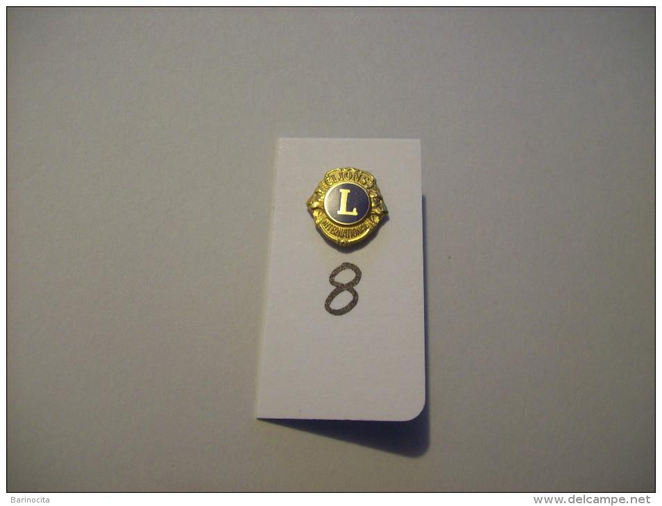 "PIN´S -"" LION´S CLUB "" Pin's Model Plus Grand - Lion´s International  - Voir Photo ( 8 ) - Verenigingen"