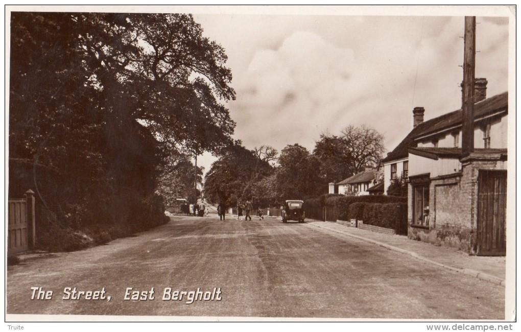 THE STREET  , EAST BERGHOLT - Angleterre